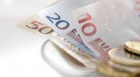 اليورو و الدولار يستقران أمام الدينار